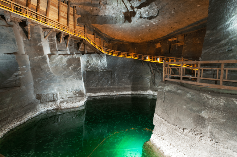 best-tour-outside-krakow-in-wieliczka-salt-mine.png